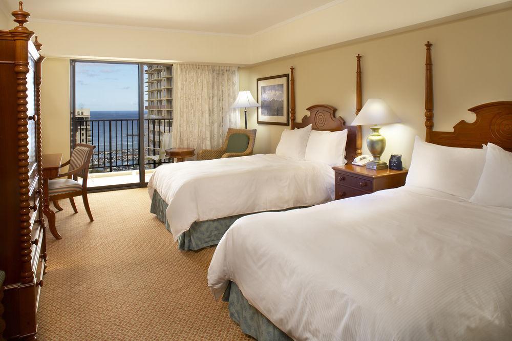 Hilton Hawaiian Village Rooms Suites Photo Gallery: Hilton Hawaiian Village Beach Resort & Spa Accommodation