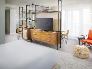 Executive Level Room
