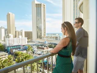 Waikiki View 1 King Bed