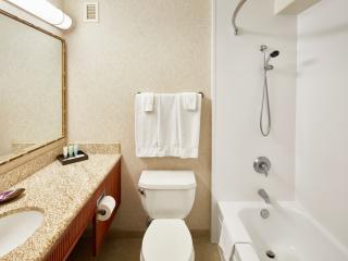 Waikiki View Bathroom