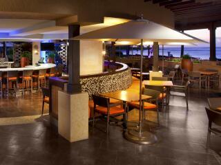 Lavas Lounge
