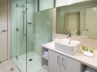 1 Bedroom Sea View Bathroom
