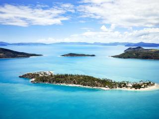 Twin Island Escape - Daydream Island Aerial View