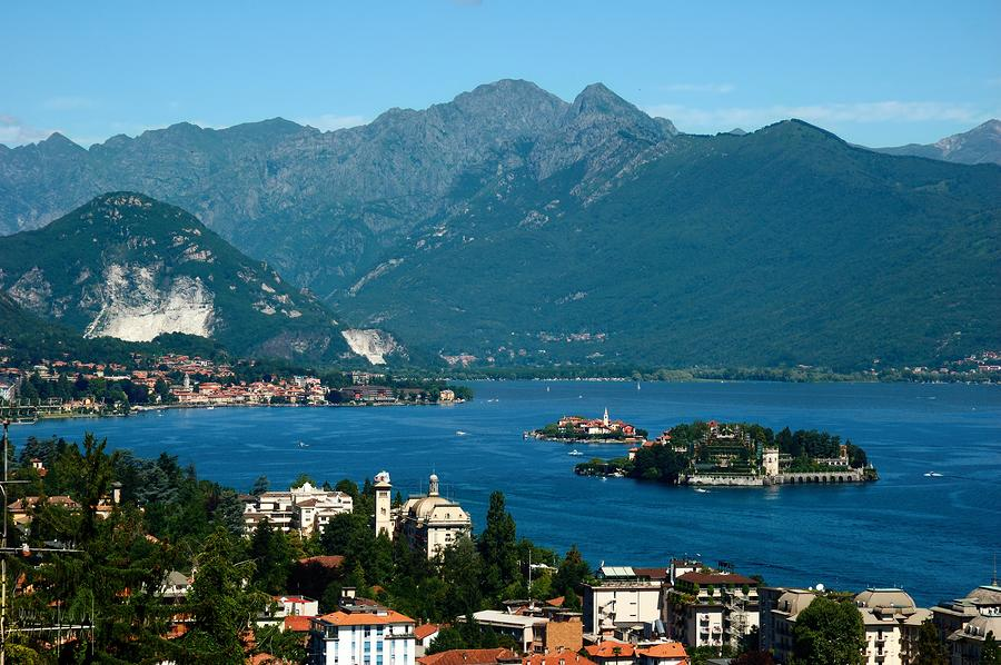 Northern Lakes Travel Guide Italy