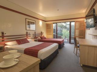 Kingfisher Bay Resort Bedroom