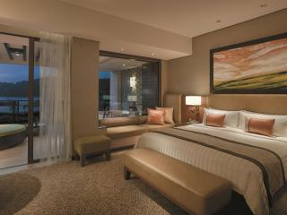 Ocean Wing Junior Suite Room