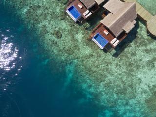 Ocean Pool Water Villas Exterior