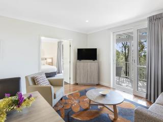 1 Bedroom Premier Villa - Living