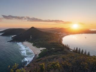 Shoal Bay - Destination NSW