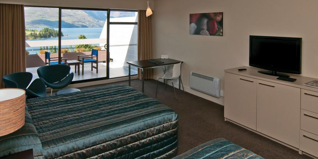 Copthorne Hotel Apartments Queenstown Lakeview Superior Room