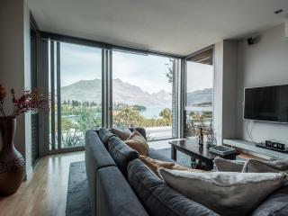 Lake View 2 Bedroom Suite