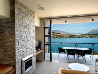 1 Bedroom Lake View Apartment