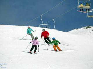 The Remarkables Family Ski
