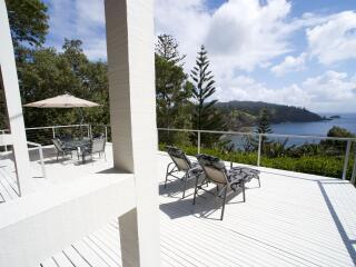 Clifftop Cottage - Deck