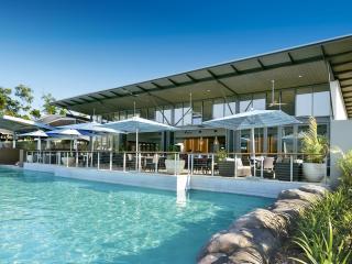 Cove Restaurant & Swimming Pool