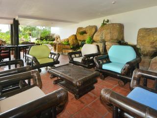 Water Garden Lounge