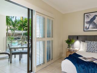 1 Bedroom Pool Deck Bedroom & Balcony