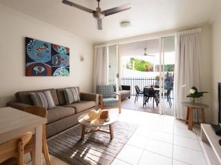 Exclusive Plunge Apartment - Living Room