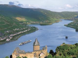 Viking River_near_Stahleck_Castle