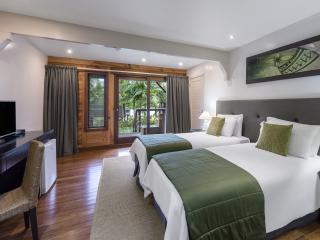Ocean Breeze Twin Room