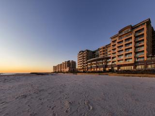 Oaks Glenelg Plaza Pier Suites