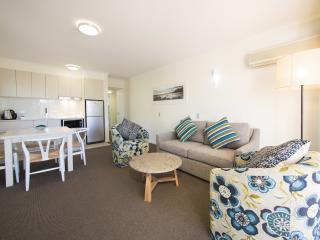 2 Bedroom Living