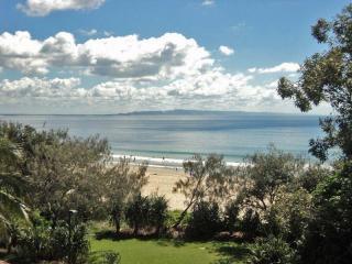 Views over Laguna Bay to North Shore