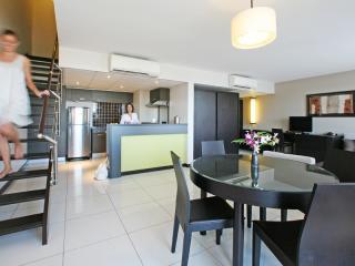 2 Bedroom Executive Suite - Lounge Area