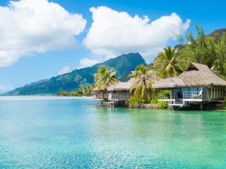 Tahiti Overwater Bungalows in Moorea