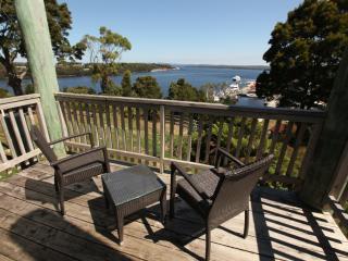 Hilltop Harbour View Executive