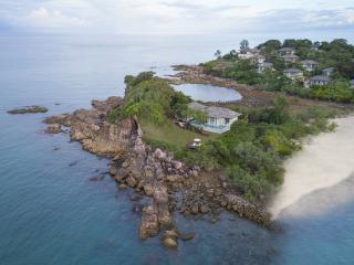 Fahn Noi Private Island Pool Villa