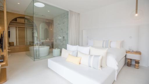 Garden Deluxe Balcony - Bedroom