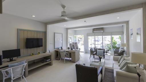 Hospitality Lounge at Bang Rong Pier