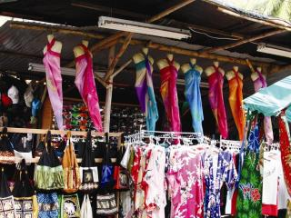 Nai Yang Beach Shopping