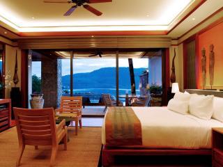 Pool Suite - Master Bedroom
