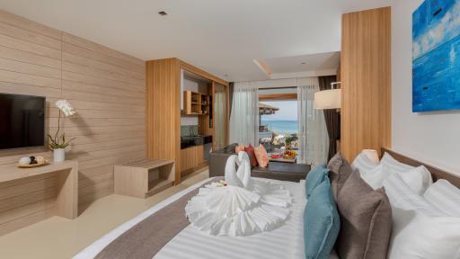 Luxury Beachfront Suite - Bedroom