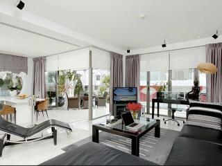 2 Bedroom Grand Deluxe - Lounge