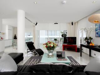 2 Bedroom Penthouse - Lounge Area