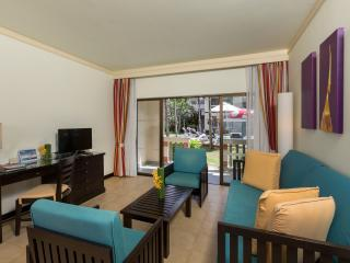 1 Bedroom Family Suite Poolside