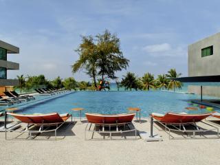 B - Lay Tong Phuket