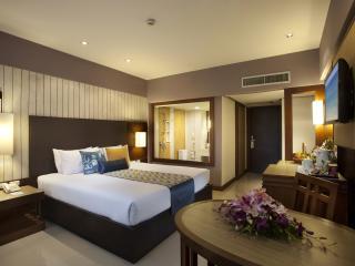 Superior Poolview Room
