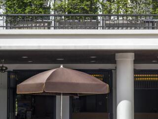 Ploendi Restaurant Terrace
