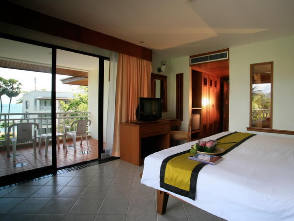 Sunset Beach Resort Accommodation