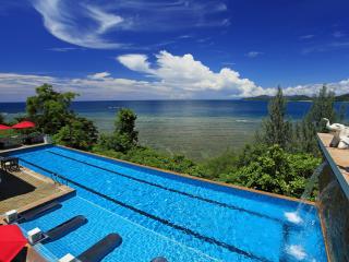 The Aquamarine Resort & Villa