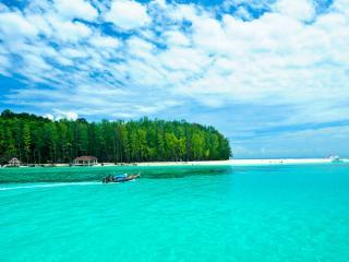 Phi Phi Earlybird Tour by Speedboat - Bamboo Island