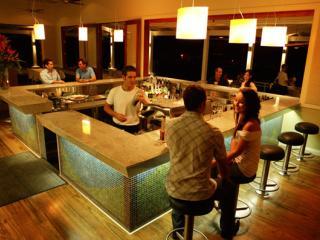 Vivo Bar & Grill