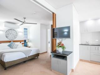 Peninsula Suite