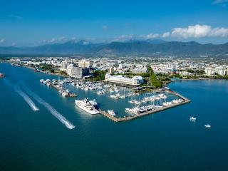 Cairns City Sights Half Day Tour
