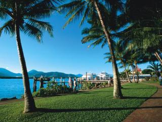 The Esplanade - Cairns