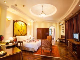 Colonial Majestic Suite